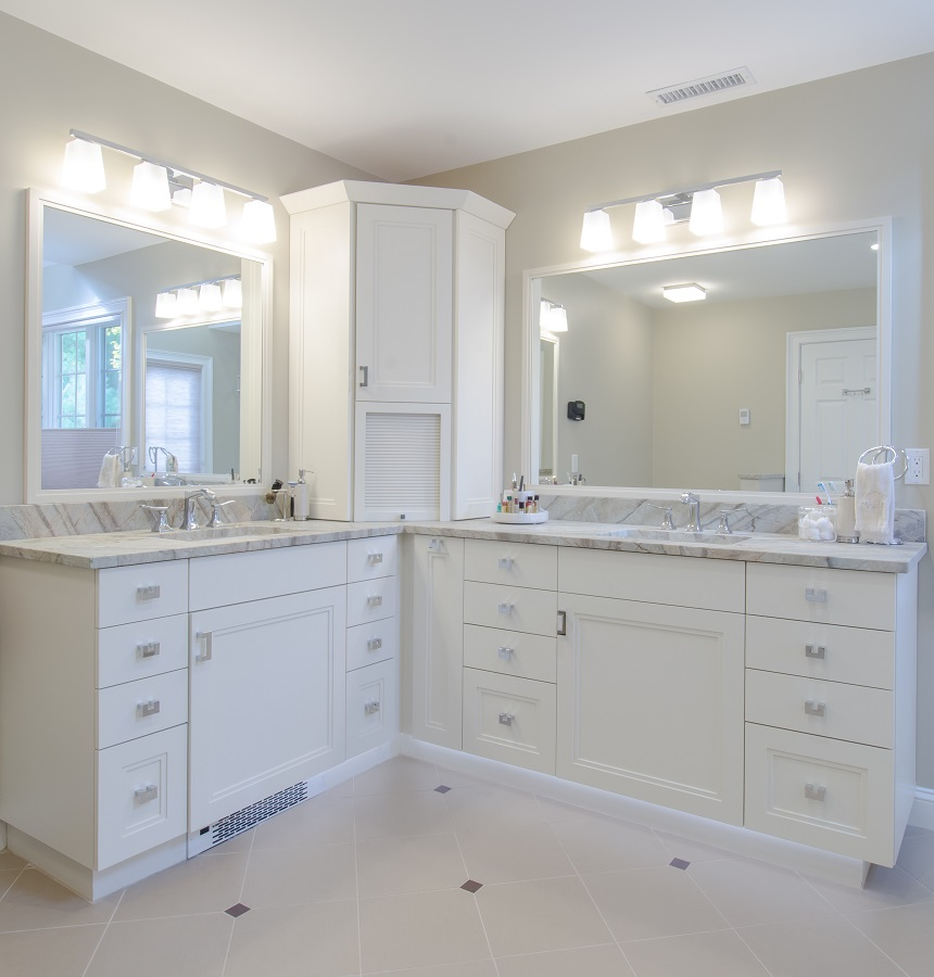 Luxury We Were Up In Nashua For My Sons Soccer Tournament  An Efficiency Kitchen, And A Full Bathroom The Bathroom Was Outdated, Had Some Small Cigarette Burn Marks On The Vanity, And The Electrical Outlet Did Not Work Properly But The