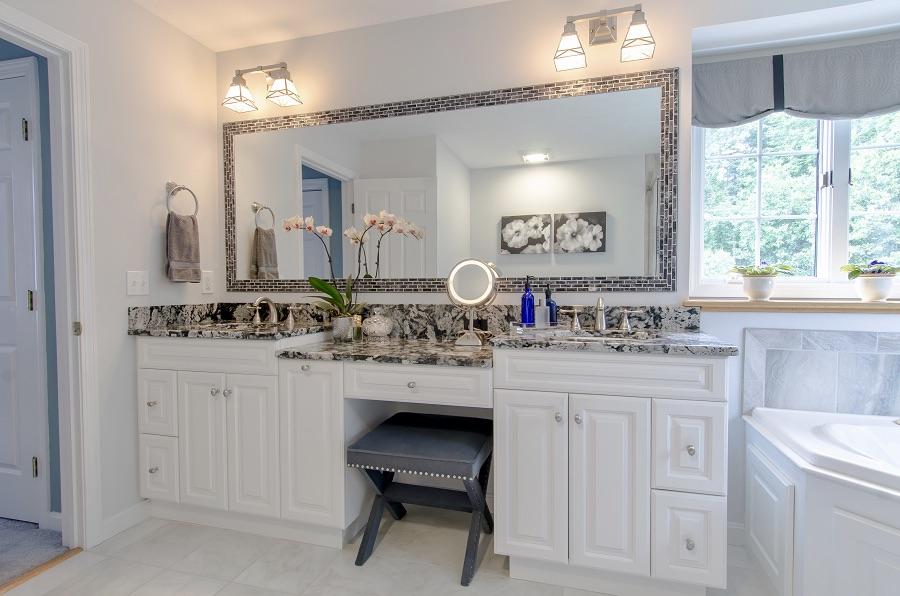 white bathrooms with vanity mirror